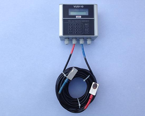 Medidor de vazão ultrassônico Clamp on por tempo de trânsito FIXO